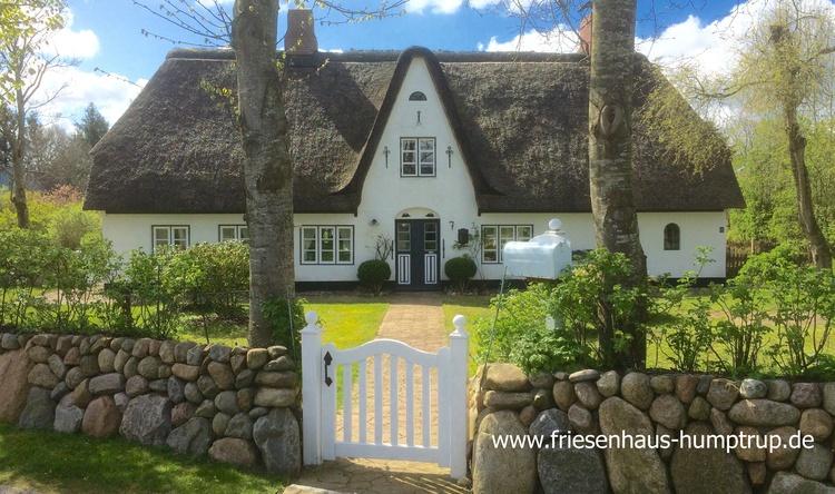 Sylt Reetdachhaus ferienhaus humptrup nordfriesland idyllisches reetdachhaus