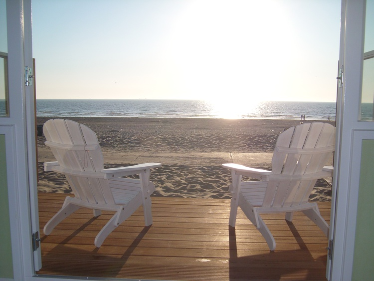 Chalet zandvoort noordholland strandhaus direkt am strand for Ferienhaus nordsee privat