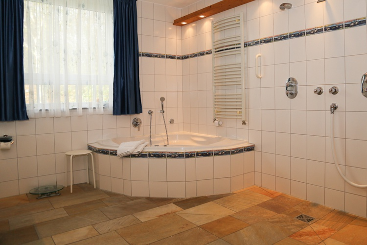 ferienhaus spiekeroog ostfriesische inseln wintergarten im haus admiral ferienwohnung. Black Bedroom Furniture Sets. Home Design Ideas