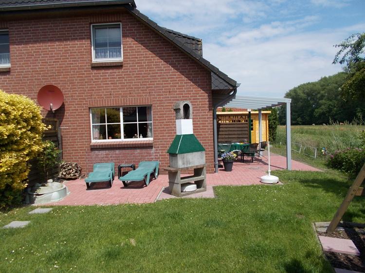 Ferienhaus otterndorf region cuxhaven ferienhaus gisela for Doppelhaus garten gestalten