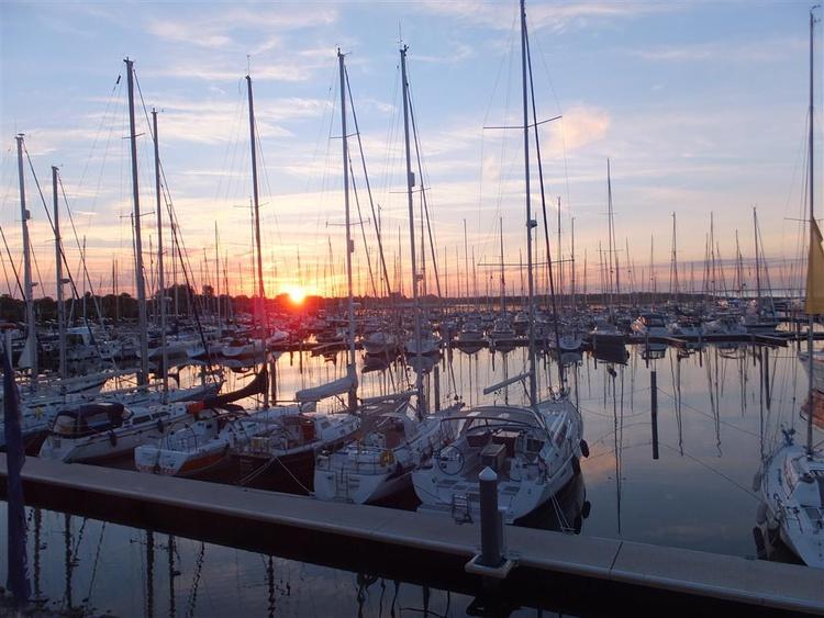 Yachthafen Bruinisse mit Segel- und Motorbootverleih