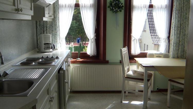 Küche im Dachgeschoss mit Südbalkon