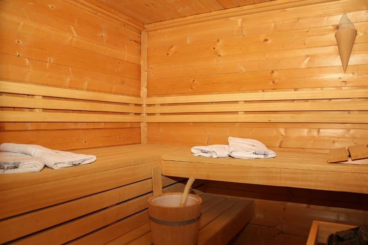 Sauna im Wellness-Bad