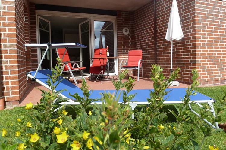 Entspannung im schön angelegten und eingezäunten Garten