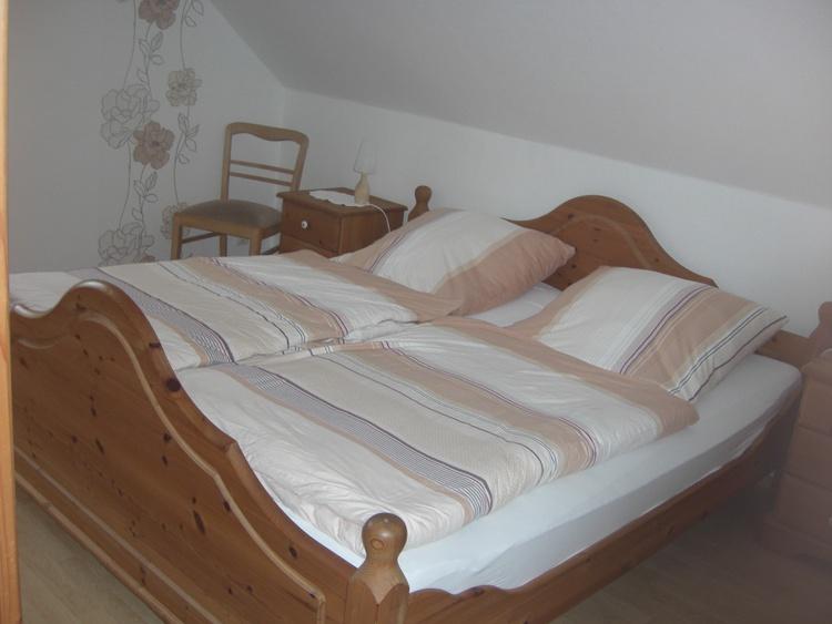 Schlafzimmer m. Doppelbett
