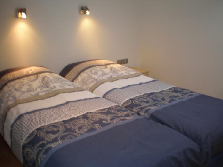 Schlaffzimmer Luxusappartment mit 2.10m Betten.