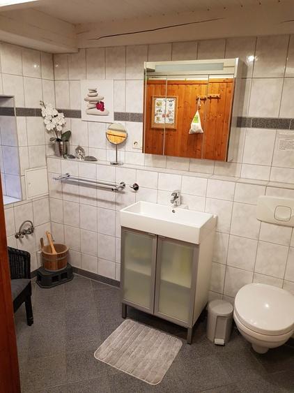 Badezimmer (mit eigener Sauna)