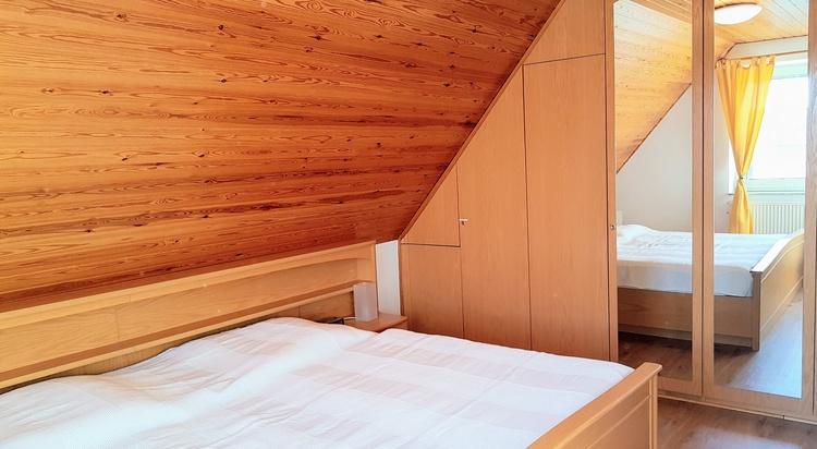 Schlafzimmer OG mit Doppelbett