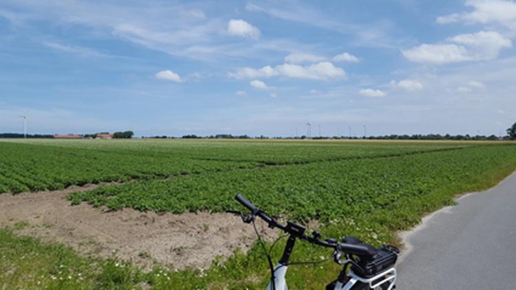 Fahrradtour durch die Felder