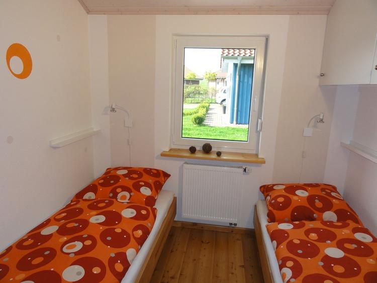 2. Schlafzimmer mit zusätzlichem TV