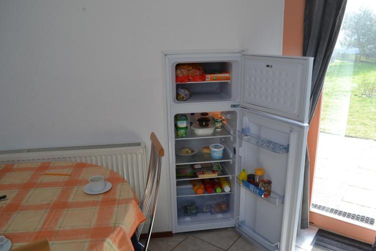 großer Kühlschrank mit sep. Gefrierfach