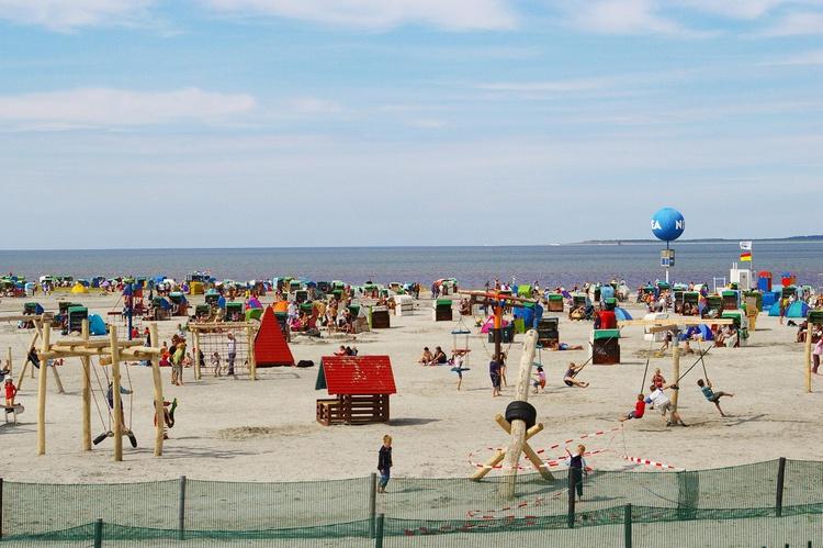 Der Strand ist ca 2 km vom Ferienhaus entfernt