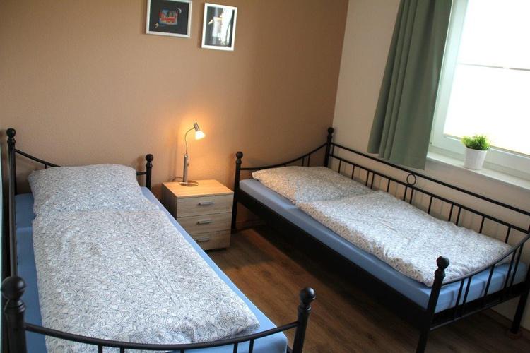 2 Einzelbetten in Schlafzimmer 2