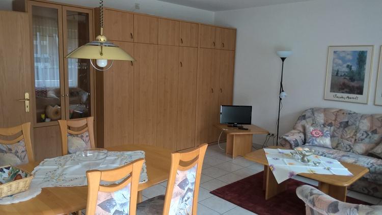 Wohnbereich mit Schrankbett