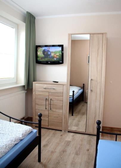 Fernseher in Schlafzimmer 2