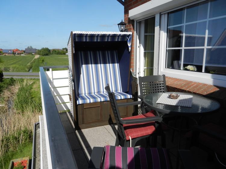 FRiesennest-Sonnenkieker Balkon mit Strandkorb