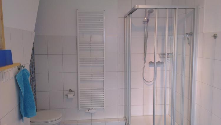 großes Duschbad 1. OG