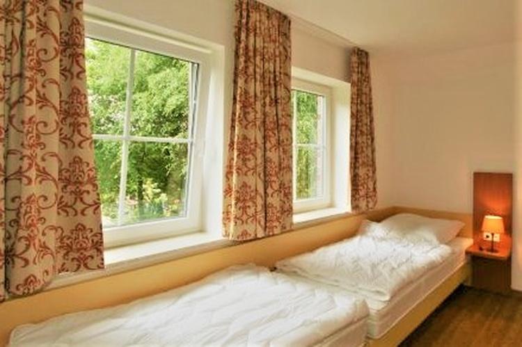 Schlafzimmer OG Einzelbetten Haus 7