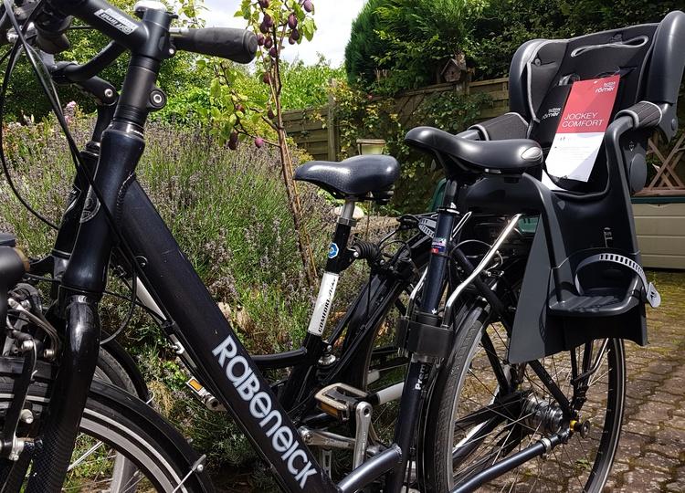 Fahrräder mit Kindersitz