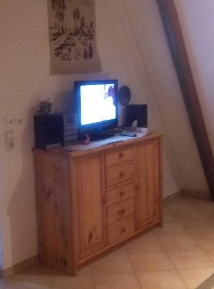 Sideboard mit TV