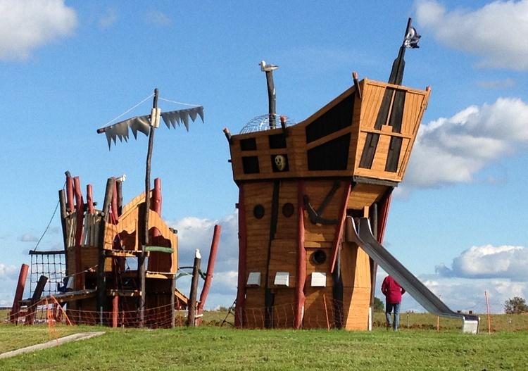 Abenteuerspielplatz auf der Leuchtturmwiese