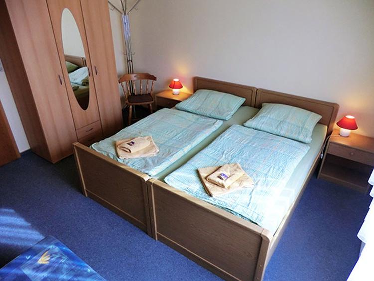 Dreibettzimmer Zimmer 6