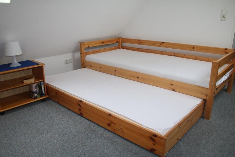 2. Schlafzimmer mit Ausziehbett