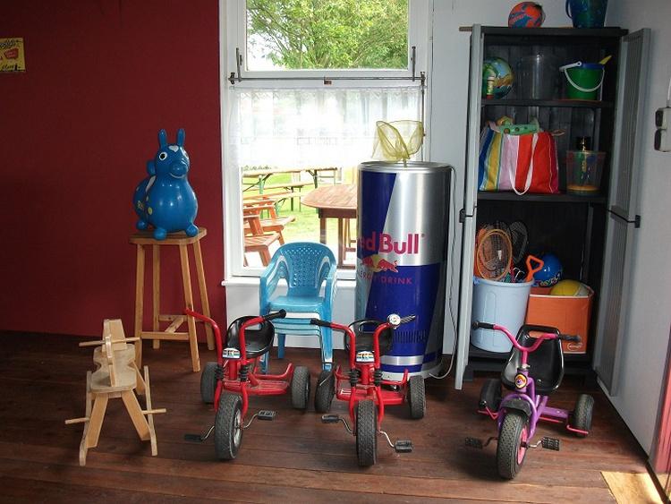 .....und jede Menge sonstige Spielsachen