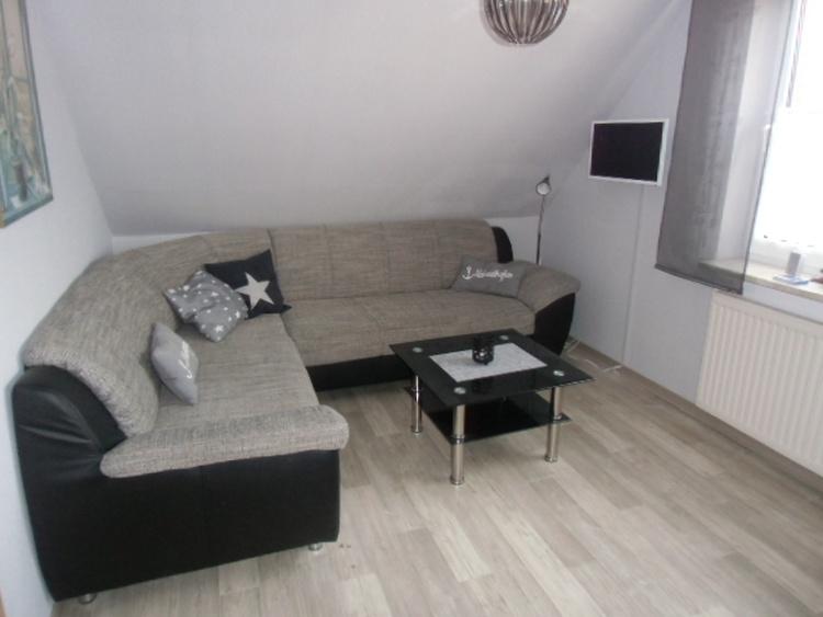 Couch mit Sat-TV