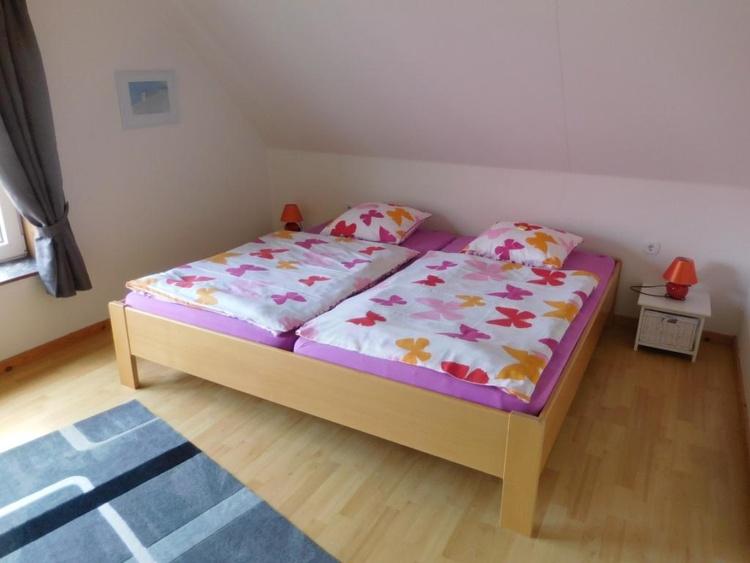 Schlafzimmer mit King-size Bett