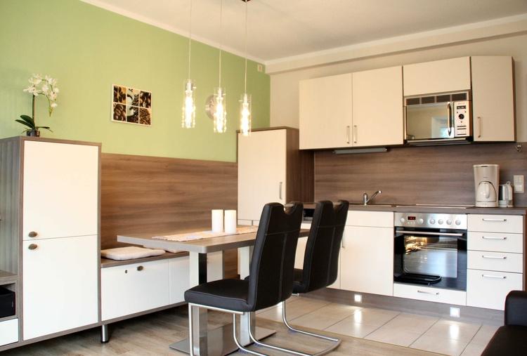 Moderne Küche mit allen Annehmlichkeiten