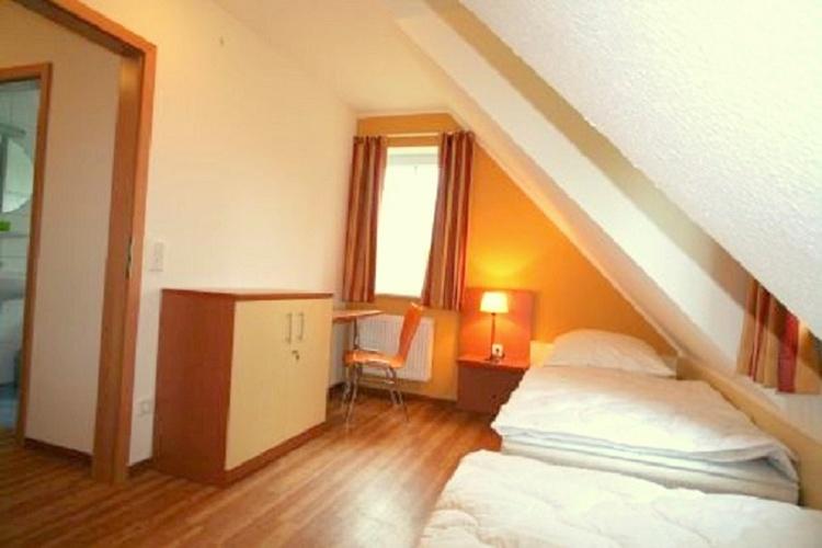 Schlafzimmer OG Einzelbetten Haus 1, 3, 4 & 5
