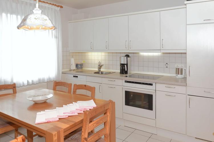 Küche/ komplett eingerichtet u. ausgestattet